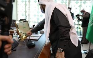 """نائب وزير البيئة السعودي يدشن المرحلة الثانية من تطبيق """"مرشدك الزراعي"""" المطور"""
